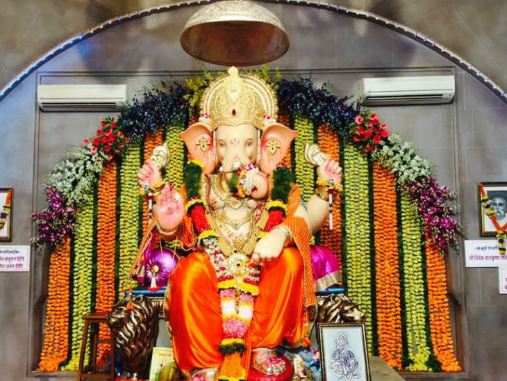 The picture is of Andheri Cha Raja Pandal of last year. Last year Ganeshotsav was celebrated here with great pomp and show.