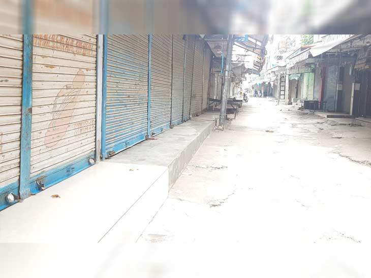 यमुनानगर में बंद बाजार का दृश्य। यहां सिर्फ आवश्यक चीजों से जुड़ी दुकानें खुली हैं। दुकानदारों में किसी तरह का कोई विरोध नहीं है।