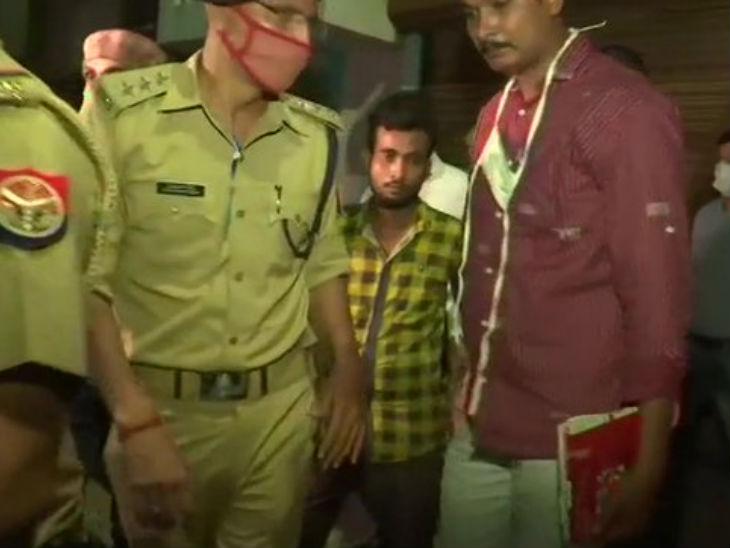 दिल्ली पुलिस आईएसआईएस के संदिग्ध आतंकी अबु यूसूफ को लेकर बलरामपुर पहुंची थी।