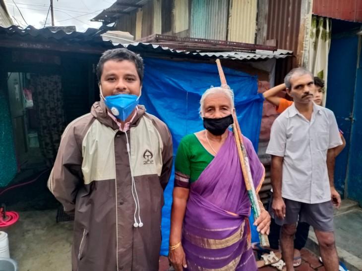 Dadi lives in this hut in Hadapsar, Pune.