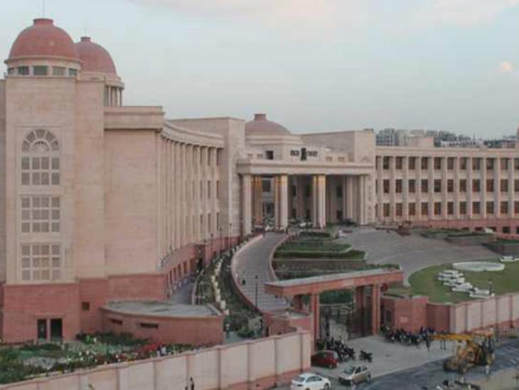 हाईकोर्ट की लखनऊ बेंच के वकील कल से अनिश्चितकालीन हड़ताल पर, अवध बार एसोसिएशन ने किया ऐलान उत्तरप्रदेश,Uttar Pradesh - Dainik Bhaskar