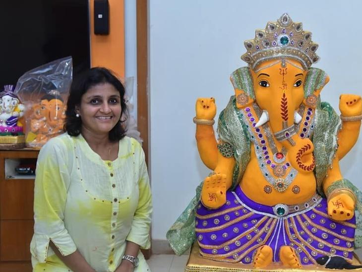 Gold Medal Sculptor Artist is Mita Suraiya of Delhi, making people learn Ganesha statues online | गोल्ड मेडल स्कल्पटर आर्टिस्ट हैं दिल्ली की मीता सुरैया, लोगों को ऑनलाइन सीखा रहीं गणेशजी की ईको फ्रेंडली मूर्तियां बनाना