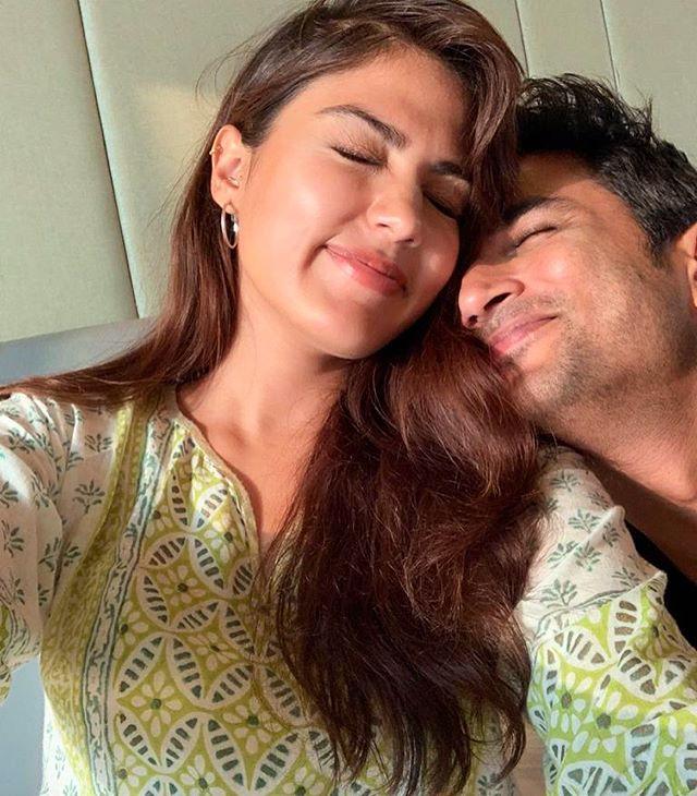 सुशांत के साथ अपना ये फोटो रिया ने 14 जुलाई को अपनी इंस्टाग्राम वॉल पर शेयर किया था।