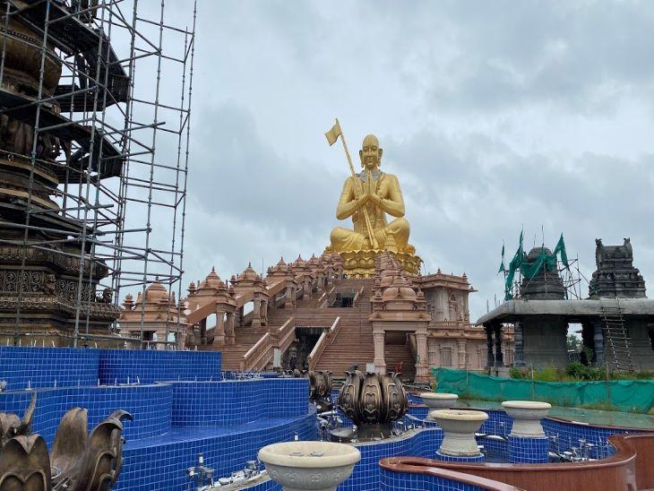 मंदिर का काम 80% से ज्यादा हो चुका है। कोरोना के कारण इस साल काम की गति में कुछ कमी आई है। 2021 में इस मंदिर के लोकापर्ण की योजना है।