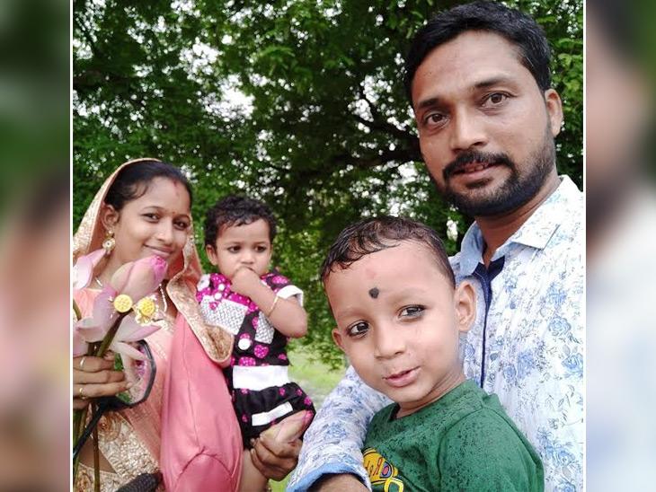 ये बद्री नारायण का परिवार है। वे कहते हैं कि चैनल के हिट होने की एक वजह ये है कि परिवार के हर सदस्य ने इसमें रोल निभाया।