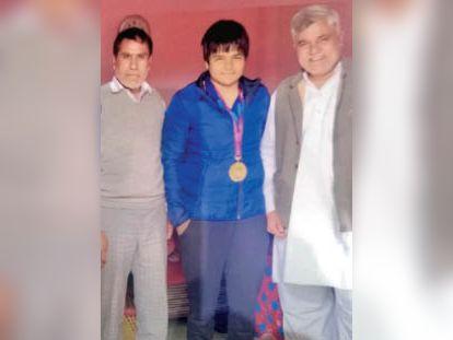 मुजफ्फरनगर की कुश्ती खिलाड़ी दिव्या ने गोहद में छह साल रहकर सीखे दांव-पेंच, अब राष्ट्रपति ने अर्जुन अवार्ड देकर किया सम्मानित गोहद,Gohad - Dainik Bhaskar