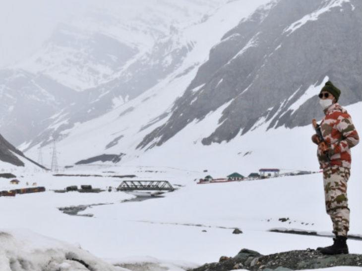 भारत ने कहा है कि वह अभी भी शांतिपूर्ण बातचीत से सभी मुद्दों को हल करने के लिए प्रतिबद्ध है।- फाइल फोटो - Dainik Bhaskar