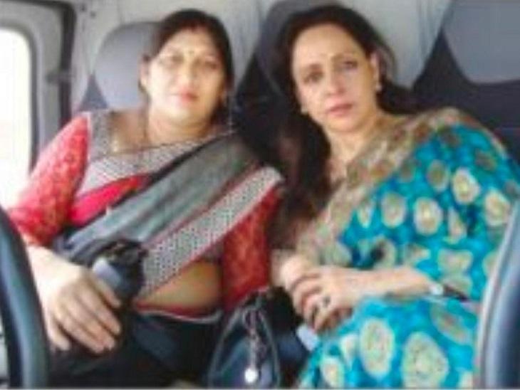 फोटो राजनांदगांव की है। चुनाव के दौरान हेमामालिनी के साथ शोभा ने प्रदेश का दौरा भी किया था।