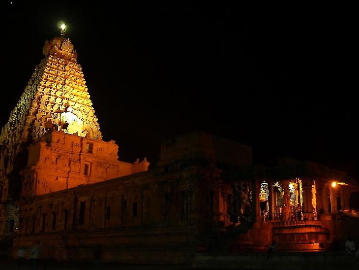 जब तक हम दूसरों के कामों पर ध्यान देते रहेंगे, हमारा मन एकाग्र नहीं हो सकता, एकाग्रता के बिना पूजा नहीं हो पाती है|धर्म,Dharm - Dainik Bhaskar