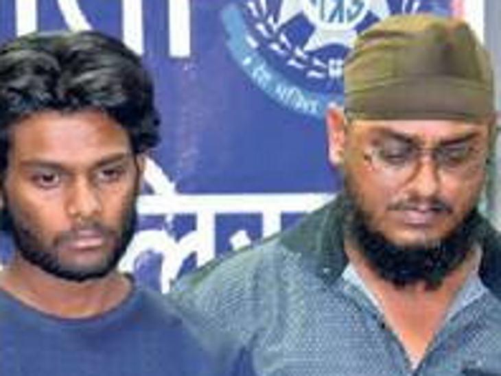 चालक वाहिद और खनूजा को पुलिस ने शंका के आधार पर गिरफ्तार कर लिया था।
