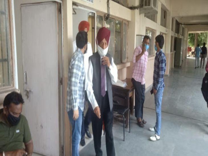 मिल्खा सिंह ने 5 करोड़ रुपए में बेची प्रॉपर्टी, दो दिन पहले ही 103 रुपए में बेटे के नाम से अपने नाम ट्रांसफर करवाई थी|चंडीगढ़,Chandigarh - Dainik Bhaskar