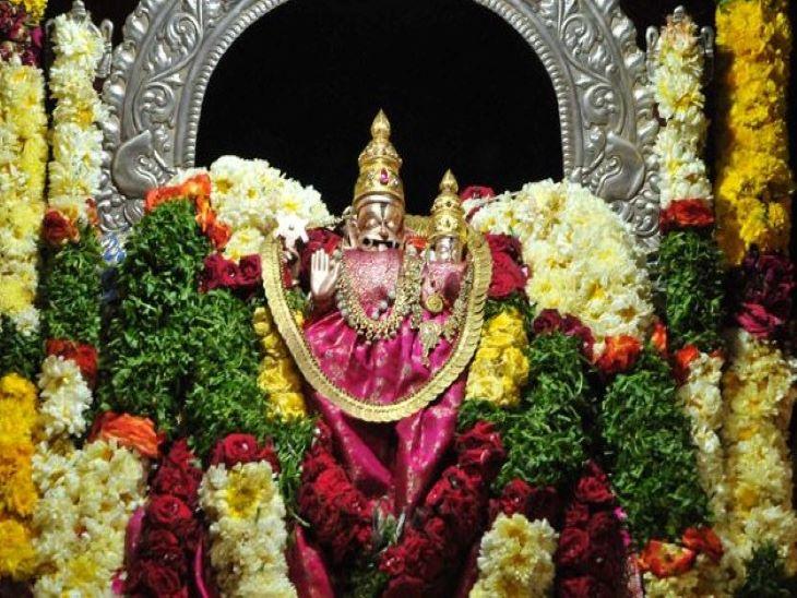 मंदिर में मौजूद लक्ष्मी-नृसिंह की मुख्य प्रतिमा।