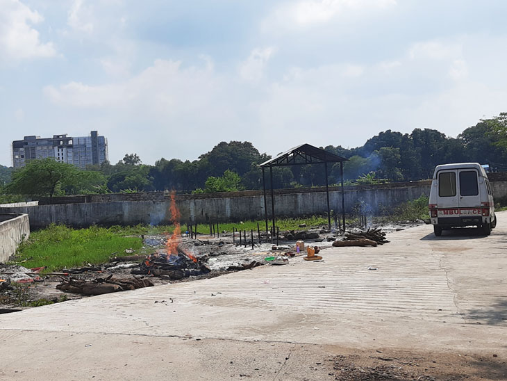 A separate site has been set up for the cremation of corona patients at Bhadbhada Muktidham. Common people do not even come here.