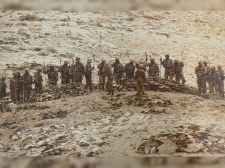 सूत्रों के मुताबिक, सोमवार शाम 6 बजे 50 से 60 चीनी सैनिकों ने भारतीय फॉरवर्ड पोजिशन के पास आने की कोशिश की।