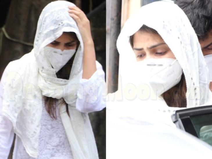 सुशांत सिंह राजपूत को 'सॉरी बाबू' बोलने के बाद कूपर हॉस्पिटल की मॉर्चरी के बाहर रिया चक्रवर्ती।