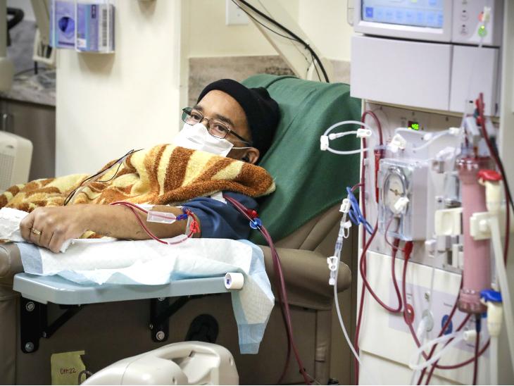 प्लाज्मा थैरेपी कोरोना मरीजों की मौत को रोकने में कारगर नहीं और न यह बिगड़ी हालत को रोकने में मदद करती है|लाइफ & साइंस,Happy Life - Dainik Bhaskar