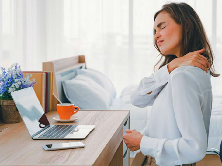 75% भारतीय मांसपेशियों के दर्द से जूझ रहे, हर 40 मिनट में काम के दौरान 30 सेकंड का ब्रेक लें; इन 3 एक्सरसाइज से रहें फिट|लाइफ & साइंस,Happy Life - Dainik Bhaskar