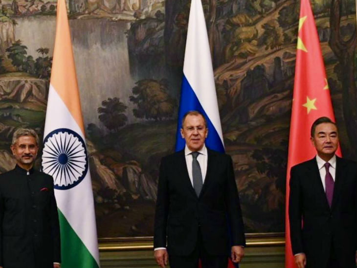 Recently in Moscow, there was a meeting between the Foreign Ministers of India and China in which talks were held on the ongoing deadlock.