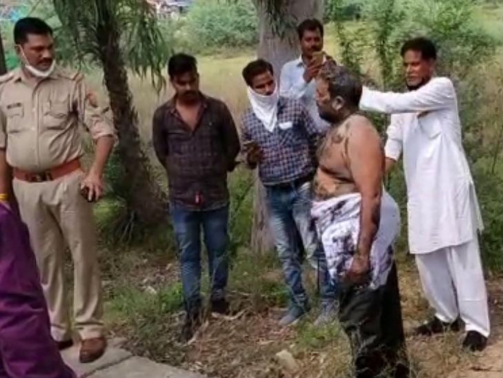 जालौन में गिरफ्तारी से बचाने के लिए आरोपी ने नाले में लगाई छलांग, भीड़ ने बाहर निकाल पुलिस को सौंपा|उत्तरप्रदेश,Uttar Pradesh - Dainik Bhaskar