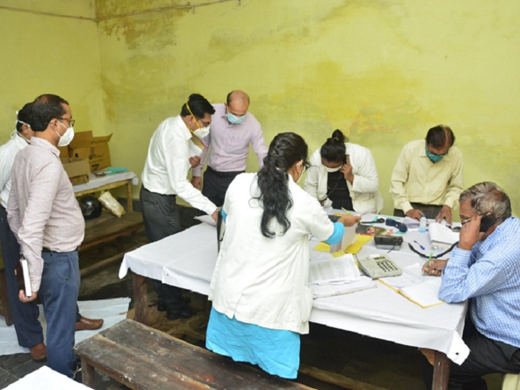 The Collector instructed that the patients seeking home isolation should elaborate the rules after the permission of the doctor.  Also, they should be given a pamphlet with instructions along with a medical kit.