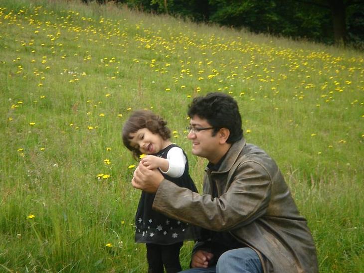 Prasoon Joshi with daughter.