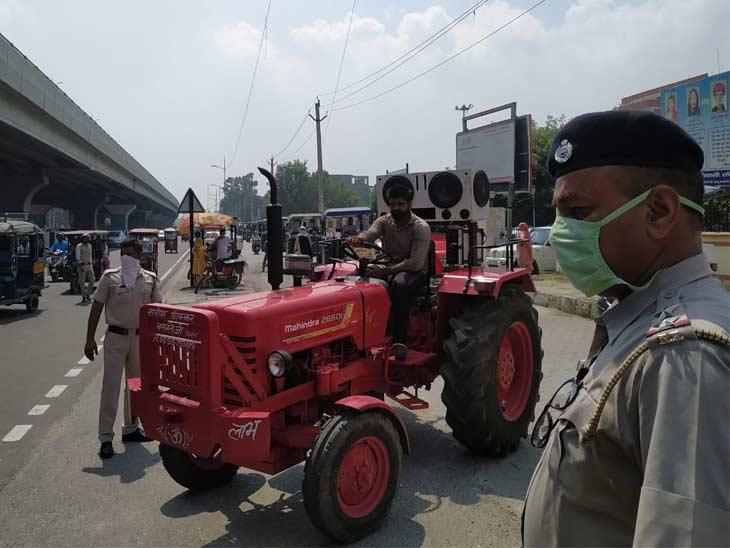 ट्रैक्टर लेकर काफी संख्या में पानीपत लघु सचिवालय पहुंचे थे किसान।