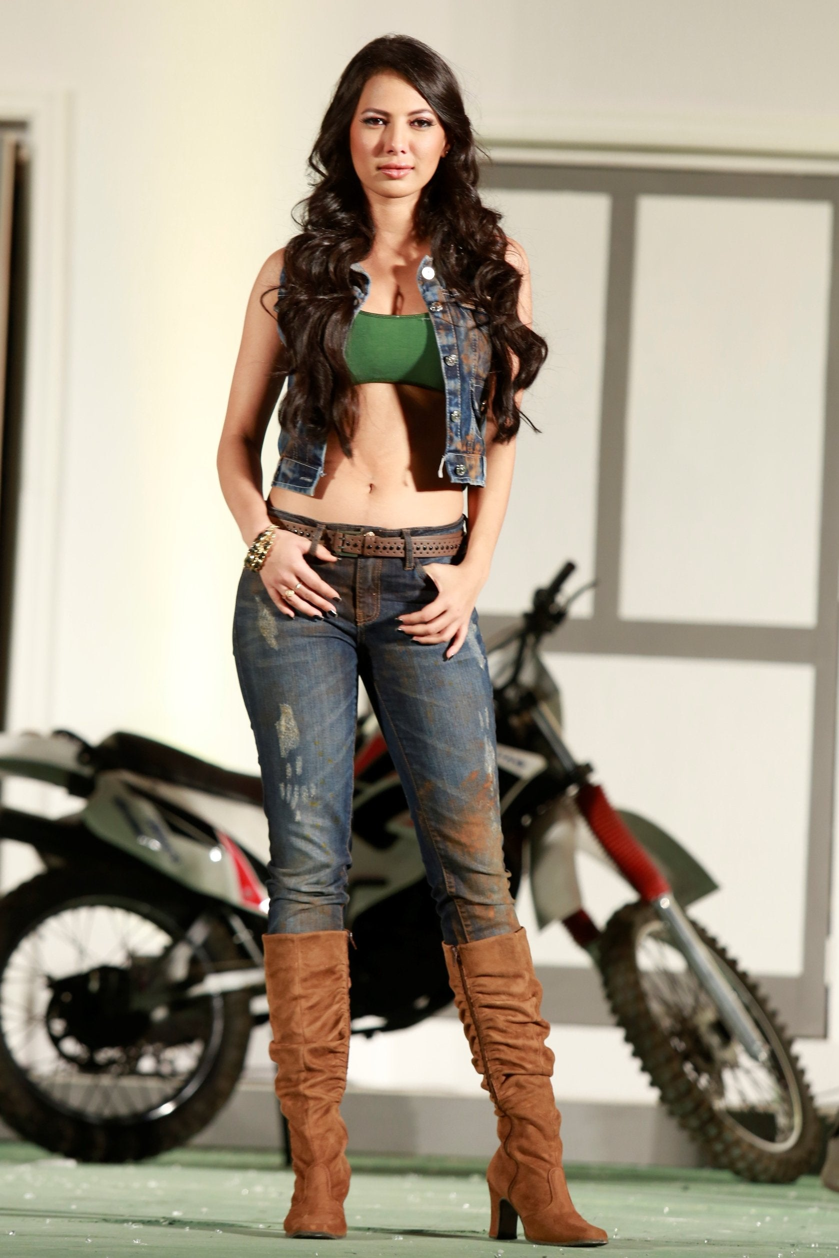 This model has also appeared in Bigg Boss.