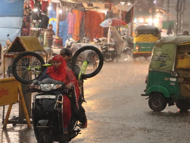 झमाझम बारिश से शहर तरबतर हो गया।