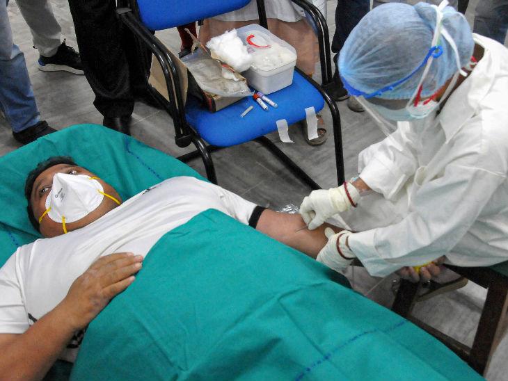 24 घंटे में 86989 मरीज मिले, 90606 ठीक हुए; लगातार दूसरे दिन स्वस्थ हुए मरीजों की संख्या संक्रमितों से ज्यादा; अब तक 53.92 लाख मामले देश,National - Dainik Bhaskar