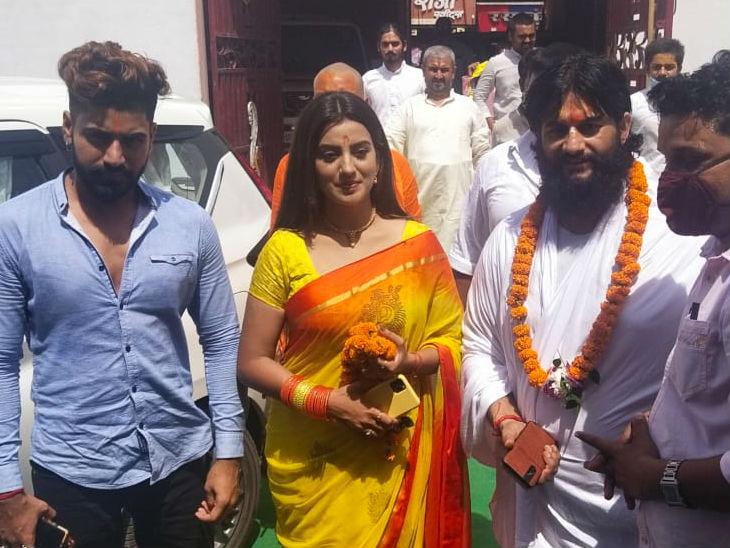 भोजपुरी अभिनेत्री ने हनुमानगढ़ी और रामलला के दर्शन किए, फिल्म सिटी बनने पर जताई खुशी, कहा- यूपी व बिहार के कलाकारों को रोजगार मिलेगा|उत्तरप्रदेश,Uttar Pradesh - Dainik Bhaskar
