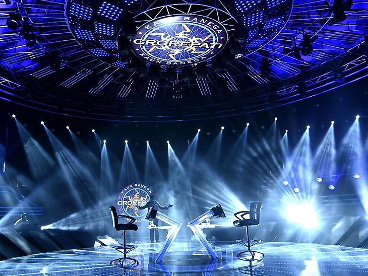 सेट पर अमिताभ बच्चन कुहनी से कुहनी मिलाकर करते हैं लोगों का अभिवादन, शो के डायरेक्टर ने किया सेट पर हो रही खास बातों का खुलासा
