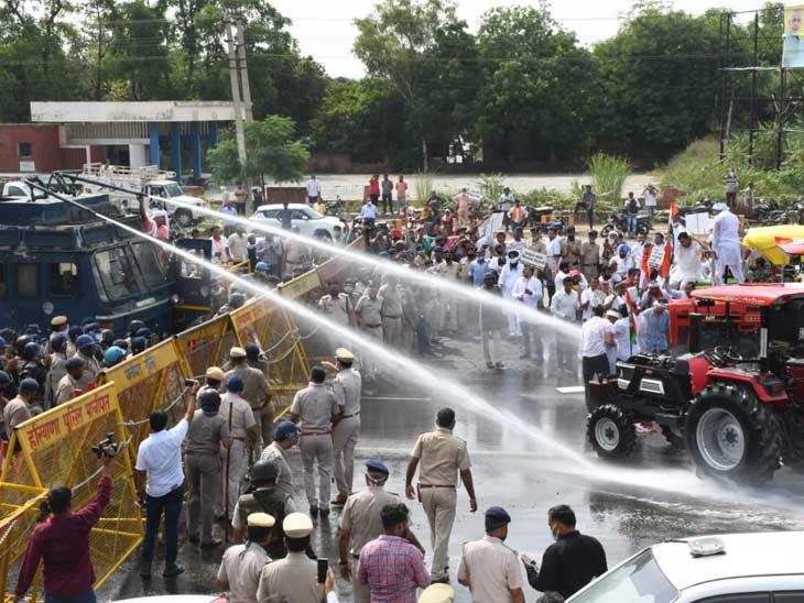 हरियाणा से दिल्ली ट्रैक्टर रैली लेकर निकले किसानों पर वाटर कैनन चलाई, पंजाब बॉर्डर पर भी हजारों प्रदर्शनकारियों को रोका गया
