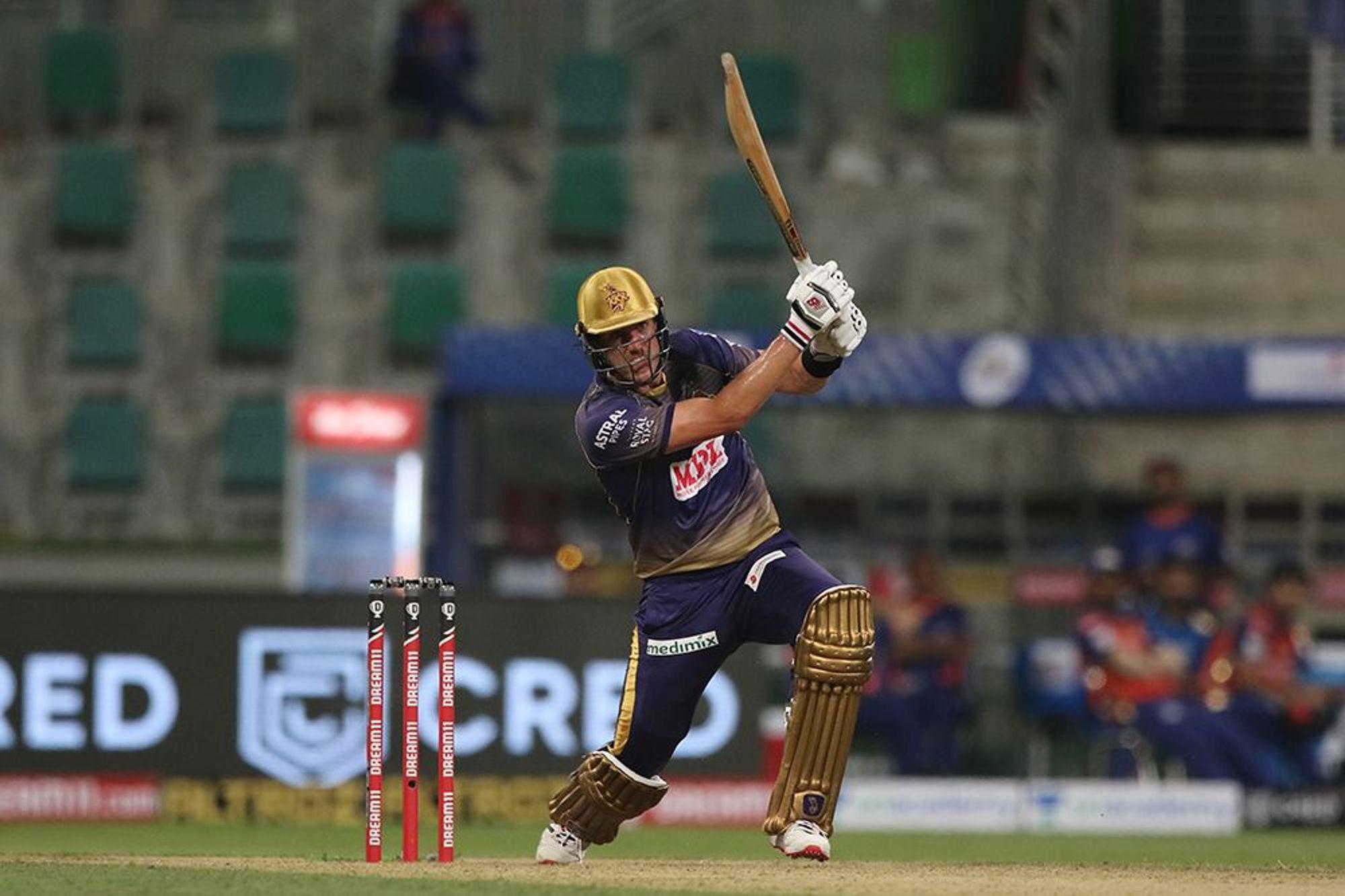 कोलकाता के पैट कमिंस ने जसप्रीत बुमराह के एक ओवर में 4 छक्के लगाए।
