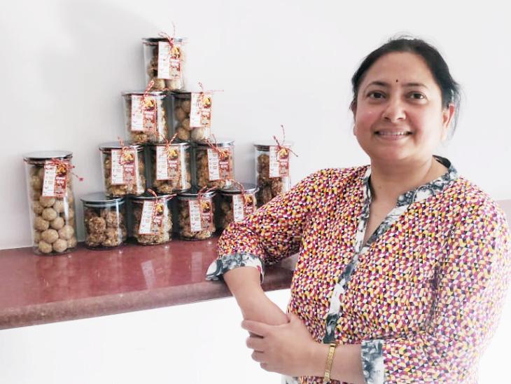 घी के अलावा वो नारियल, ओट्स, रागी, हल्दी आदि के कुकीज भी बना रही हैं। इन कुकीज में किसी भी तरह के एडिटिव, प्रिजर्वेटिव और ग्लूटन का इस्तेमाल नहीं किया गया है।