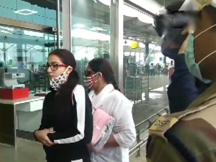 सारा अली खान गोवा एयरपोर्ट पर।
