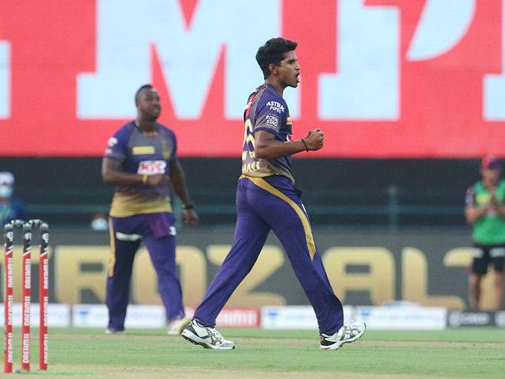 केकेआर टीम के शिवम मावी ने इस सीजन का पहला मेडन ओवर किया।