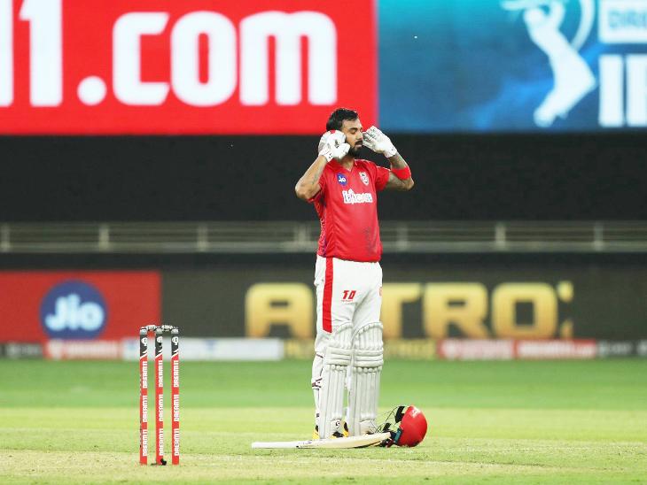 आईपीएल में अपना दूसरा शतक लगाने के बाद लोकेश राहुल।