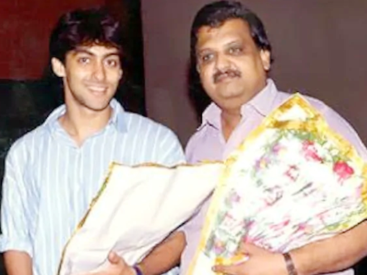 एसपी बालासुब्रमण्यम को सलमान खान की आवाज माना जाता था। उन्होंने सलमान के लिए फिल्म 'मैंने प्यार किया' और 'हम आपके हैं कौन' जैसी फिल्मों के लिए गाने गाए हैं।