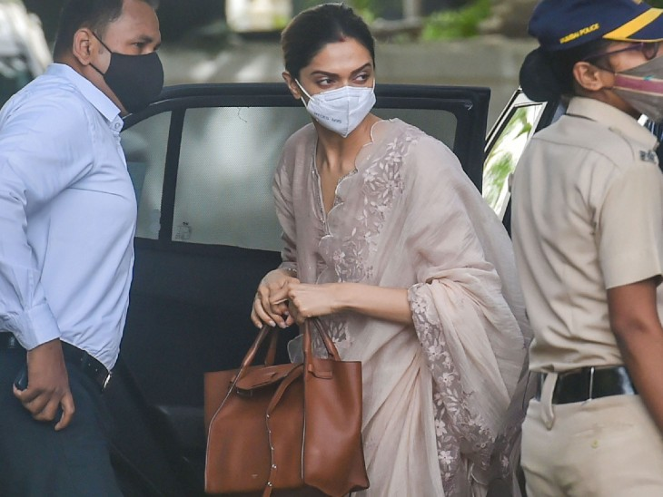 According to sources, Deepika and Ranveer were staying at the Taj Hotel last night.  Just reached the NCB office from here.