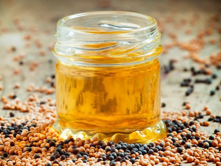 ज्यादातर सरसों के तेल में राइस ब्रान या अन्य तेलों को मिलाया जाता है - Dainik Bhaskar