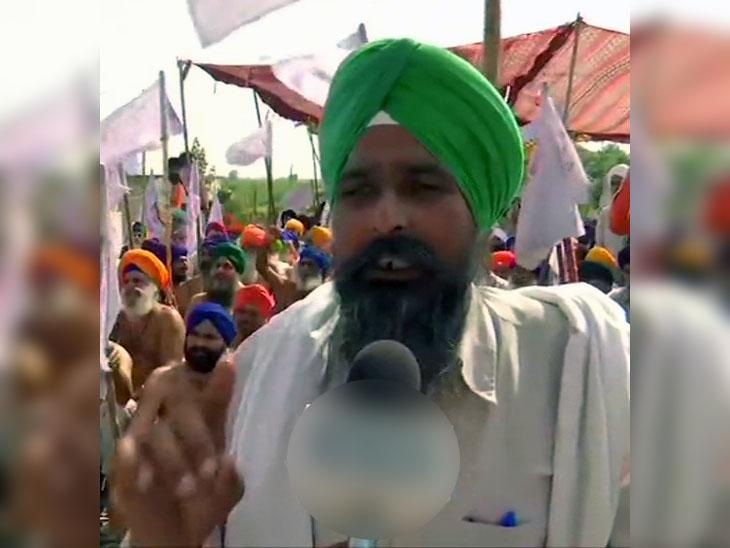 किसानों के धरने को संंबोधित करते किसान-मजदूर संघर्ष कमेटी के महासचिव एसएस पंढेर।