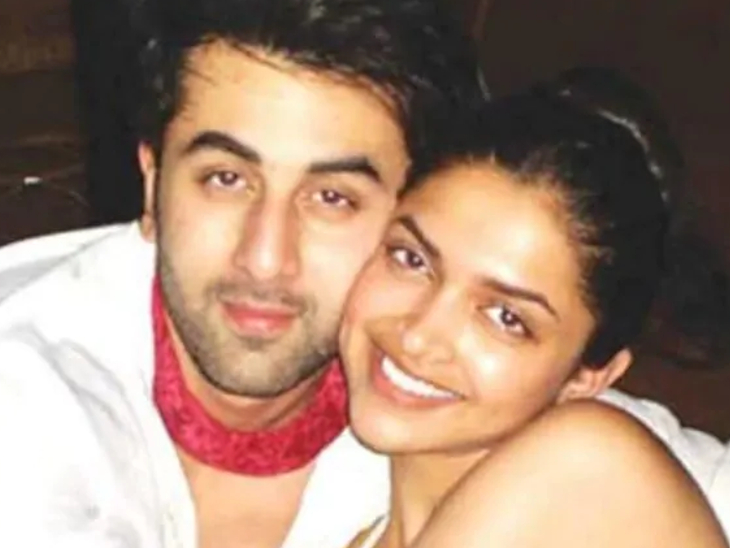 Before Ranbir Singh, his most famous affair was with Ranbir Kapoor.  Both of them came on the sets of 'Bachchna Ae Hasino'.  But soon they broke up.  It is said that Ranbir betrayed Deepika for Katrina Kaif.
