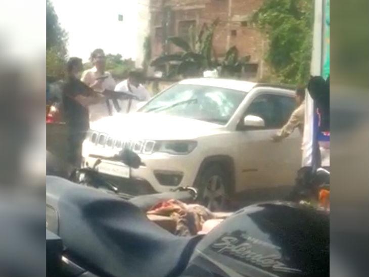 पुलिस और एसओजी टीम के साथ बदमाशों की दिनदहाड़े मुठभेड़, तीन राउंड फायरिंग के बाद चार ट्रक लुटेरे गिरफ्तार|उत्तरप्रदेश,Uttar Pradesh - Dainik Bhaskar
