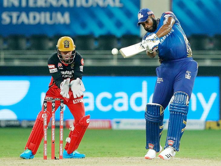 कीरोन पोलार्ड ने मैच में 5 छक्के लगाए। उन्होंने 24 बॉल पर 60 रन की शानदार पारी खेली।