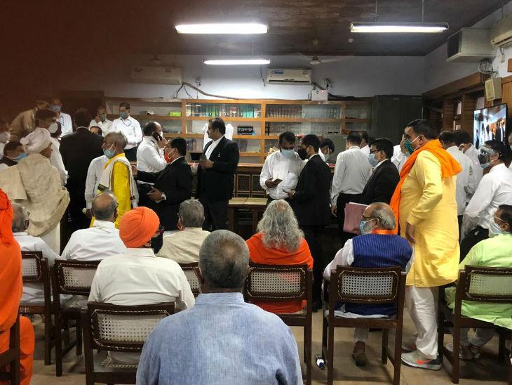 बाबरी मामले में अदालत ने कहा- घटना पूर्व नियोजित नहीं लगती; बरी होते ही जय भगवान गोयल बोले- ढांचा एजेंडे के तहत ढहाया गया