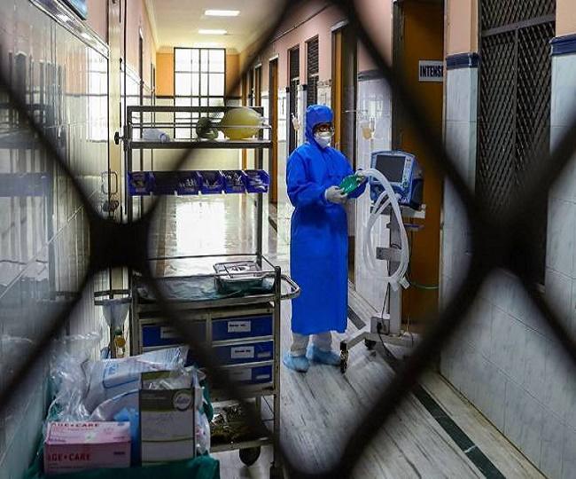 नोएडा में महामारी के बीच 4 लाख फर्जी कोरोना टेस्ट किट मिली, पुलिस ने कंपनी के मालिक को गिरफ्तार किया उत्तरप्रदेश,Uttar Pradesh - Dainik Bhaskar