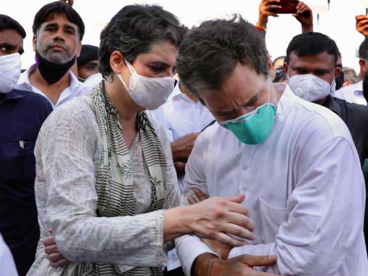 राहुल को हाथ में चोट लगी। प्रियंका गांधी उनके पास पहुंचीं और हालचाल जाना।