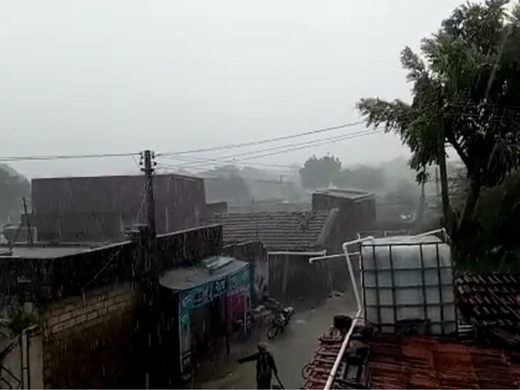 खांभा, खडाधार, कंटाला, बोरडा गांवों में बारिश का सबसे ज्यादा असर दिया।