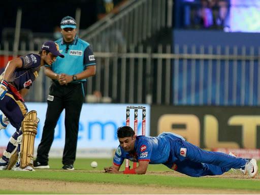 अमित मिश्रा कोलकाता नाइट राइडर्स के खिलाफ मैच में चोटिल हुए थे।