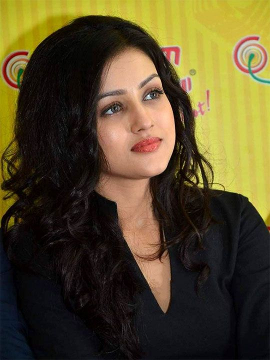 Another actress is Mishi Mukherjee whose name is Mishti
